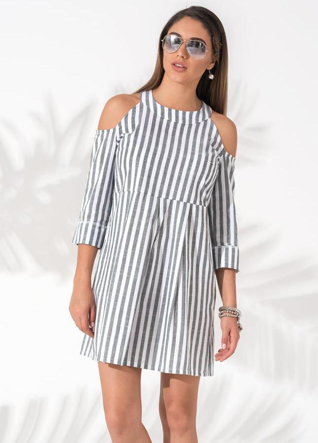 32e3e9dc469 Женское летнее платье в полоску серого цвета с открытыми плечами. Модель  18220
