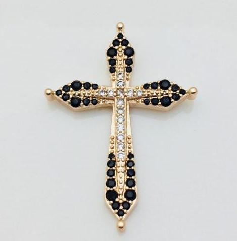 Крест в камнях женский