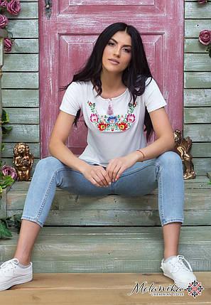 Женская футболка с коротким рукавом с вышивкой цветами в нежно белом цвете «Мальвы» 3XL, фото 2