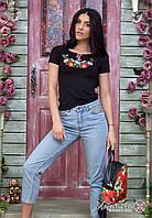 Молодіжна жіноча вишита футболка чорного кольору із вишивкою квітами «Мальви», фото 1