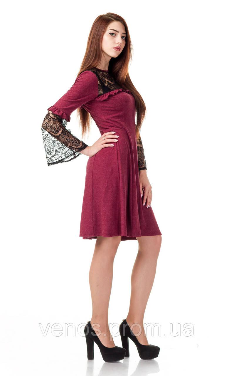 Платье с кружевными рукавами. П0100