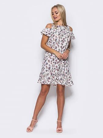 7fe35954e8a181 Миле плаття з відкритими плечима, воланом на грудях і по низу з метеликами  білий розмір