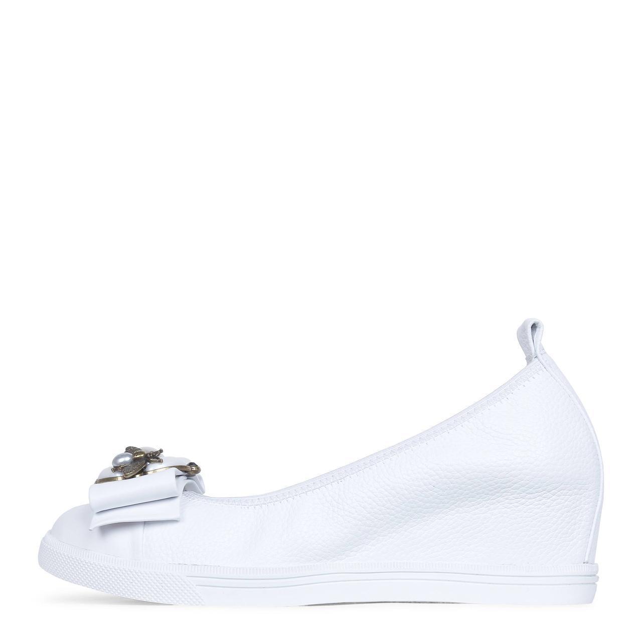 Белые женские кожаные туфли на танкетке  Like Show 19-A1656-18