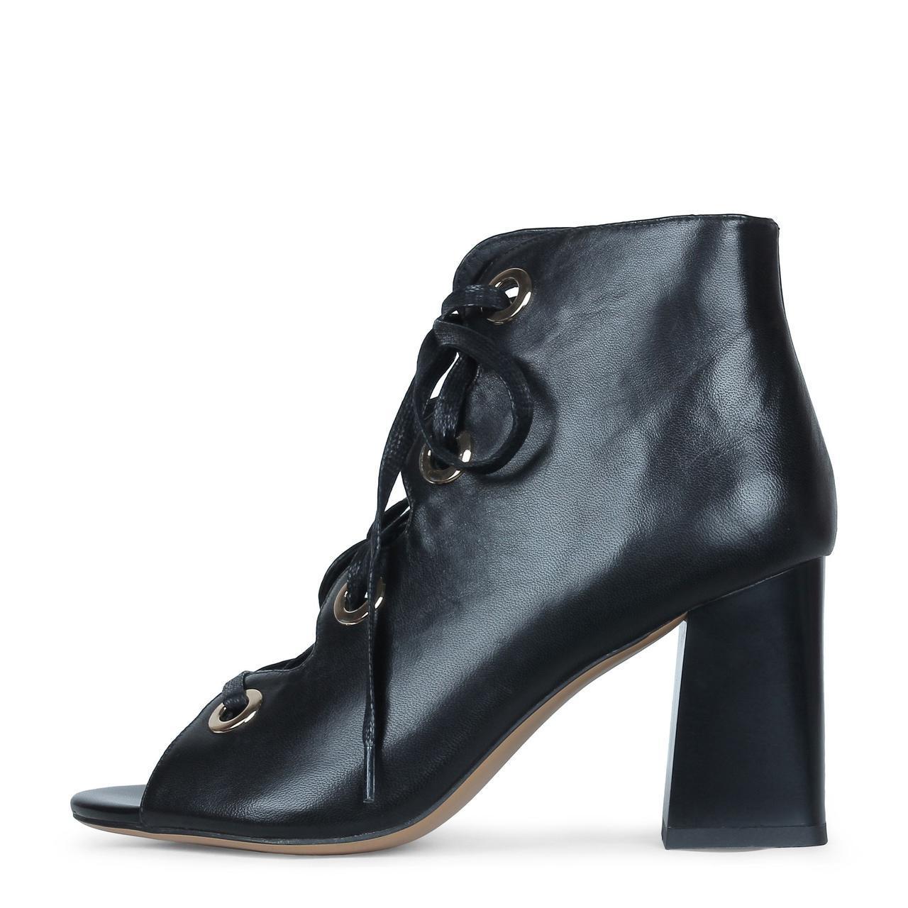 Стильные черные кожаные ботильоны на шнуровке Ventura Shoes