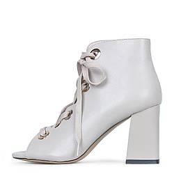 Стильные белые кожаные ботильоны на шнуровке Ventura Shoes  35