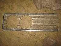 Решетка радиатора облицовка левая ВАЗ 2103