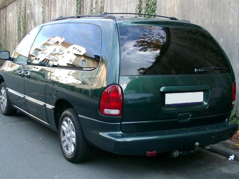 Заднее стекло (ляда) Chrysler Voyager/Dodge Grand Caravan (1996-2001), Минивен, с местом под стоп-сигнал