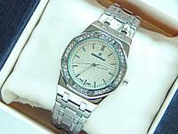 Женские наручные часы Audemars Piguet серебристые, со стразами, серый циферблат, фото 1