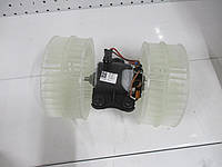 Электоромотор печки без AC BEHR-HELLA 8EW 009 158-171 MERCEDES VITO 03->