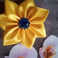 Резиночка-цветочек.