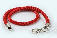 Красный шелковый браслет с серебром