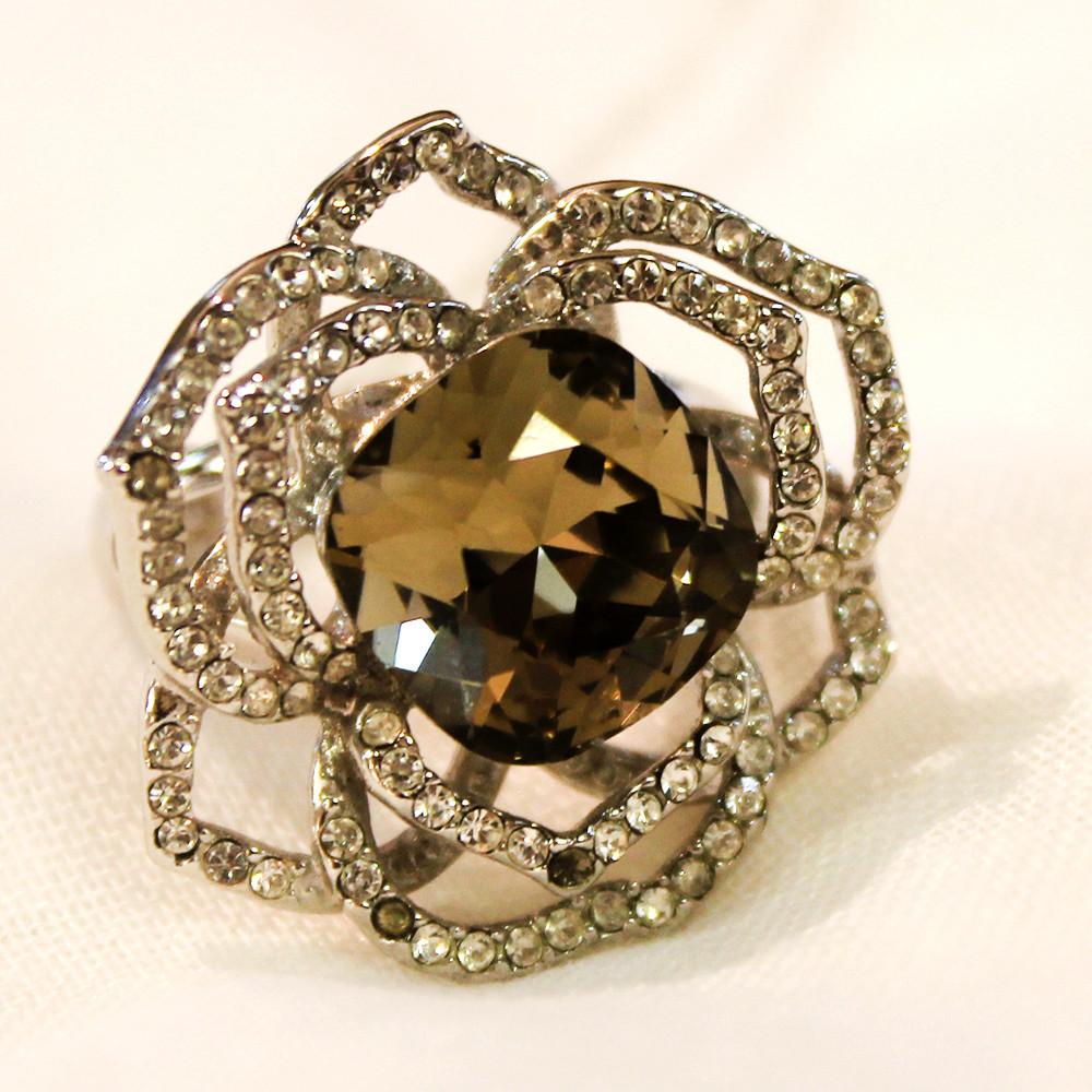 Кольцо камень цирконий,камешки Swarovski