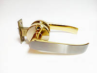 Ручка дверная межкомнатная с защелкой сатин золото