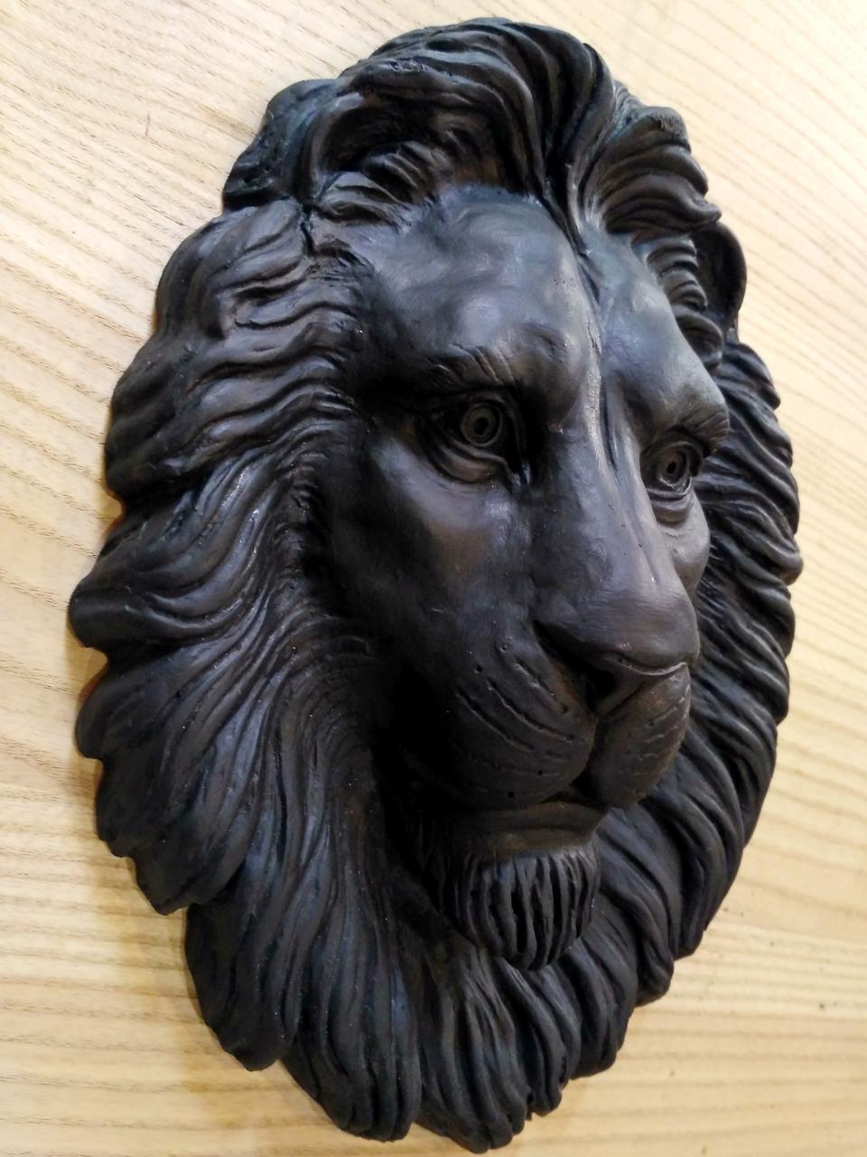 Лев на ворота