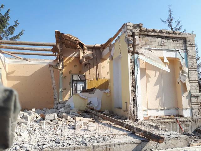 разрушение кирпичных стен и перегородок