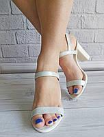 Белые босоножки на высоком каблуке от производителя, фото 1