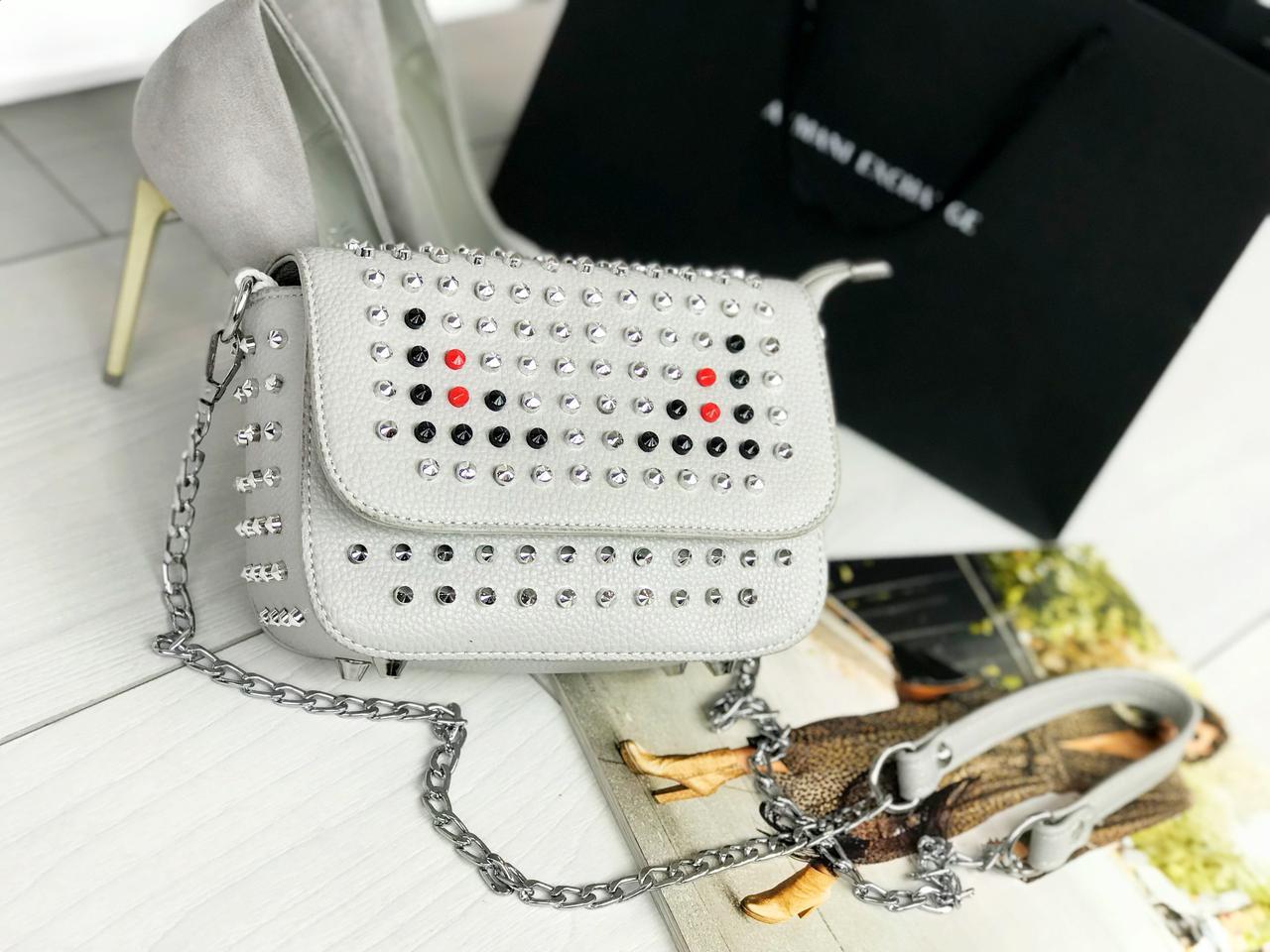 Стильная женская сумка на цепочке (серый)