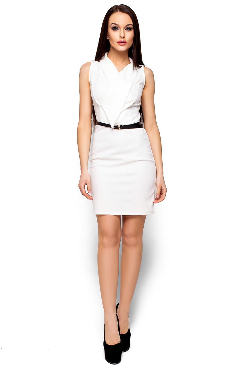 Красивое платье короткое без рукав по фигуре с поясом белое