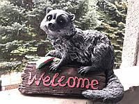 Ландшафтная фигура: енот Welcome, фото 1
