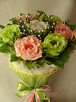 """Конфетный букет в руку из роз""""Волнистый""""№7"""
