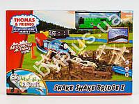 Железная дорога Thomas, размер 125-58-16см, локомотив, звук, свет, 2 вагона, мост, на бат-ке, в кор-ке