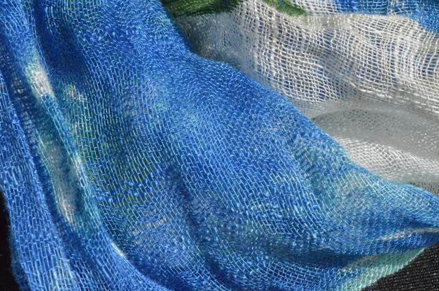 Женский голубой шарф из льна фото 2
