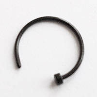 Кольцо для пирсинга носа с фиксатором, диаметр 10 мм. Медицинская сталь, титановое покрытие. , фото 1
