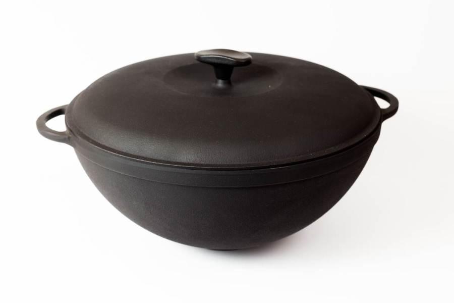 Казан чугунный (кастрюля WOK) эмалированный с чугунной крышкой. Объем 8,0 литров.