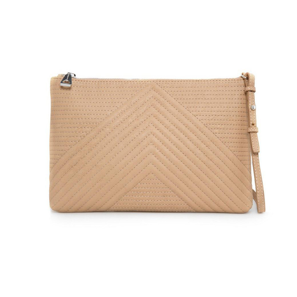dc739ff72b12 Женская сумка клатч Mango бежевого цвета, цена 233,33 грн., купить в ...