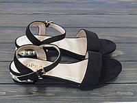 Черные босоножки на низком устойчивом каблуке, фото 1