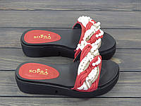 Женские шлепанцы на платформе красные с бусинками, фото 1