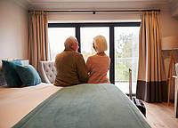 Кровать для пожилой пары - что важно учесть