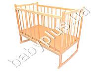 Детская кроватка деревянная, качалка, зафиксированы боковины (Дерево - ольха, отшлифована, не лакированна. Дно - ДВП, 120х60)