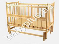 Детская кроватка шарнир-маятник с откидной боковиной (Дерево-ольха. Дно-фанера, 120х60, имеет два положения ( от 0 до 6 мес., и