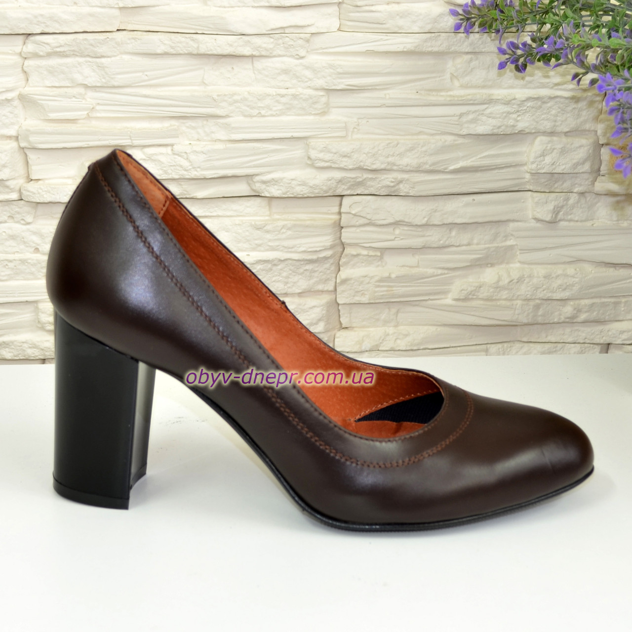 Туфли кожаные женские на устойчивом высоком каблуке, цвет коричневый