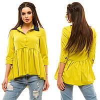 Женская удлиненная сзади  блузка-рубашка с контрастным воротничком и рукавами