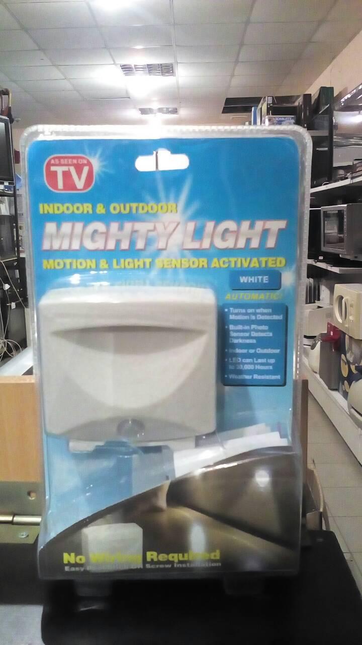 Настенный ночник / светильник Indoor/Outdoor Motion  MIGHTY LIGHT