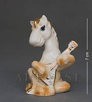 Статуэтка фарфоровая Лошадь с балалайкой 7 см XA-385