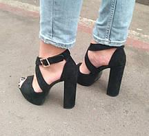 Босоножки замшевые черного цвета на устойчивом каблуке носок открыт пятка закрыта переплет Код 1583 3