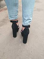 Босоножки замшевые черного цвета на устойчивом каблуке носок открыт пятка закрыта переплет Код 1583 4