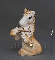 Статуэтка фарфоровая Лошадь со скрипкой 7 см XA-381