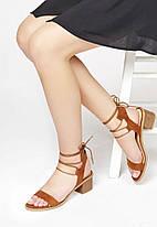 Женские босоножки на каблуке JustFab Womens Daphney Cognac, фото 2