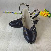 Женские босоножки из натуральной кожи черного цвета с закрытым носочком