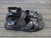 Мужские молодежные сандалии черные