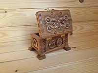 Деревянная шкатулка (сундучок) для украшений 8х12 см инкрустированная бисером