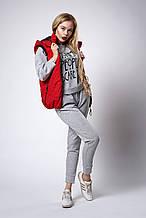 Женский молодежный утепленный жилет. Код модели ЖЛ-07-37-18. Цвет красный.
