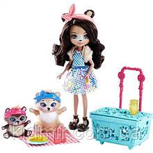 Набор Enchantimals Пикник медведей и кукла Брен Медведь FCC64