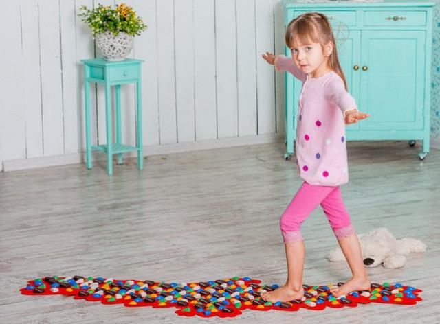 Массажный коврик-массажер с цветными камнями «Орел» 148х50 см