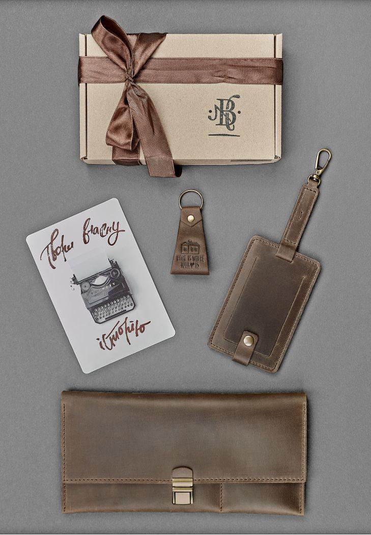dc08edf7b477 Стильный презентабельный подарок мужчине набор кожаных аксессуаров ручной  работы - МАГАЗИН КОЖАНЫХ АКСЕССУАРОВ И ОБУВИ в