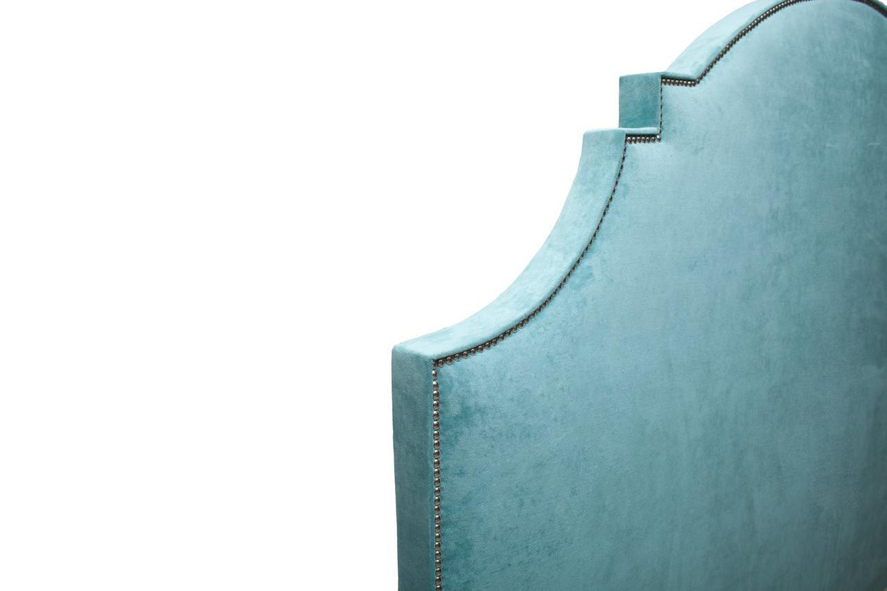 Кровать цвета Индиго